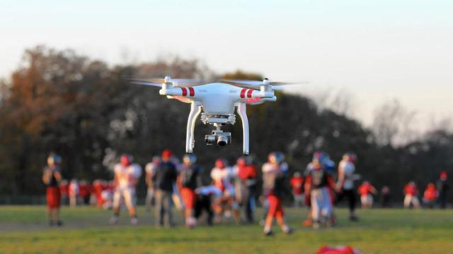 ct-ct-drone-football-james05-jpg-20141024